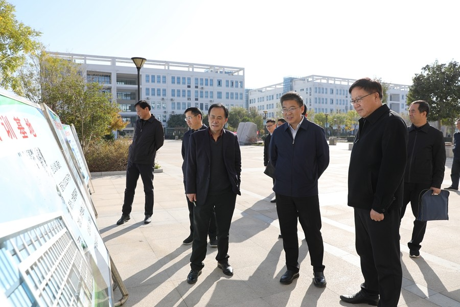 市委副书记朱浩东来我院调研