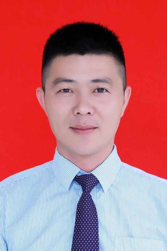 石开阔 09级财务管理专业 固镇县农商行浍河支行 副行长.jpg