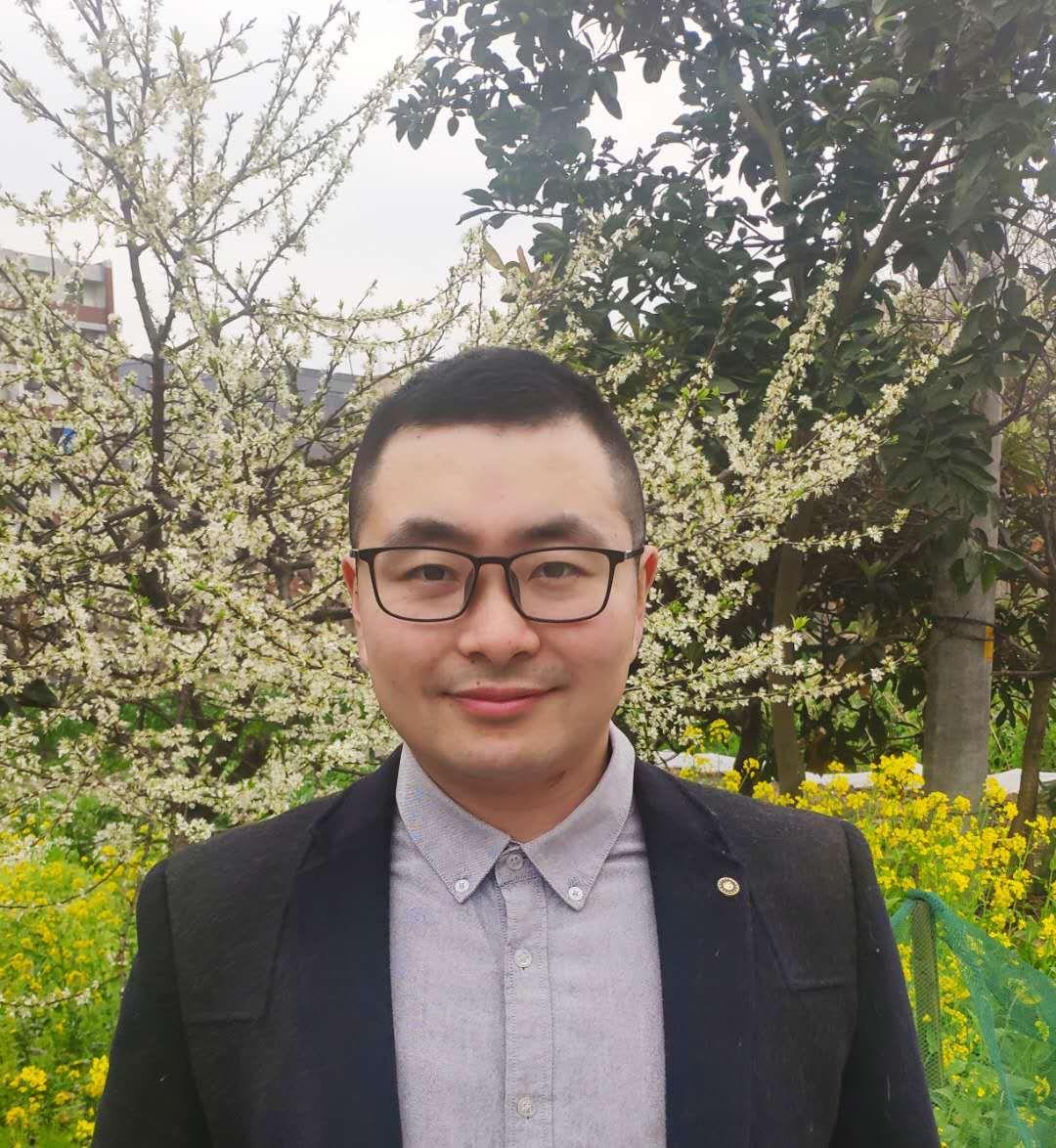 支波文 11级商务管理专业 杭州易顺物流有限公司 法人代表.jpg